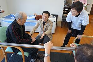 松本先生の指導を受ける
